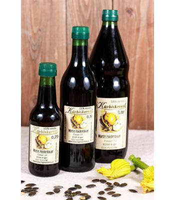 100% reinstes Kürbiskernöl in der Flasche, wahlweise 0,25 - 0,5 - 1 Liter